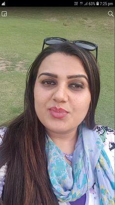 Beautiful Women Over 40, Beautiful Lips, Beautiful Girl Indian, Most Beautiful Indian Actress, Desi Girl Image, Beautiful Bollywood Actress, Very Long Hair, Indian Beauty Saree, Priyanka Chopra