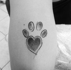 Stylish paw print by Anderson Reis