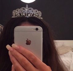 // what a beautiful piece 👑👸 Boujee Aesthetic, Bad Girl Aesthetic, Tumbrl Girls, Princess Aesthetic, Tiaras And Crowns, Beauty Queens, Girly Things, Ideias Fashion, Bling