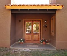 Exterior house shutters design 28 Ideas for 2019 Cafe Exterior, Exterior Stairs, Exterior Cladding, Exterior Gray Paint, House Paint Exterior, Exterior House Colors, House Columns, Exterior Doors With Glass, House Shutters
