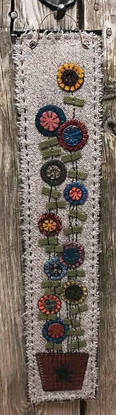 PLEASE NOTE - this is an instant download ePattern for the Penny Vine Wall Mat and not a finished item. Bright eye-catching wool pennies make this a beautiful piece to hang in those hard to fill narrow spaces - the finished mat measures 4 X 20 inches not counting the hanger. You will