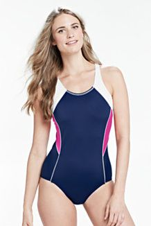 From tankinis to halter top bikinis, this fabulous SWIMWEAR GUIDE for different body types shows you the best swimsuits to flatter your body shape. Swimwear One Piece Slimming, One Piece Swimwear, One Piece Swimsuit, Best Swimsuits, Women Swimsuits, Swimwear Guide, Trendy Swimwear, Slow Fashion, Bikini Tops