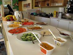 Mein erstes Mal im veganen Hotel Little Miss, Austria, Ethnic Recipes, Food, Meal, Essen, Hoods, Meals, Eten