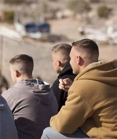 buzzcut barbershop long hair and lack of hair. willingly or forcefully and everything else that interests me Great Haircuts, Haircuts For Men, Men's Haircuts, Short Hair Cuts, Short Hair Styles, Military Cut, Gents Hair Style, Slick Hairstyles, Bald Fade