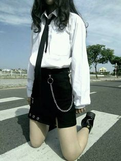 Lấy = Fllowing me Not me Kpop Outfits, Girl Outfits, Cute Outfits, Fashion Outfits, Ulzzang Fashion, Ulzzang Girl, Korean Fashion, Retro Fashion, Love Fashion
