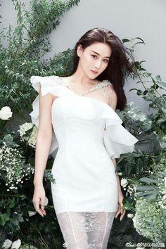 Sexy Asian Girls, Beautiful Asian Girls, Beautiful One, Womens Fashion For Work, Asian Woman, Korean Girl, Asian Beauty, Female, One Shoulder