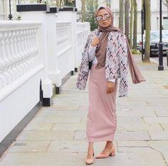 pinterest @adarkurdish Hijab Fashion, Duster Coat, Kimono Top, Chiffon, Skirts, Jackets, Tops, Women, Style
