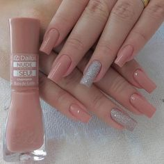 Semi-permanent varnish, false nails, patches: which manicure to choose? - My Nails Nude Nails, Nails Polish, Gel Nails, Manicure And Pedicure, Classy Nails, Stylish Nails, Trendy Nails, Square Acrylic Nails, Acrylic Nail Designs