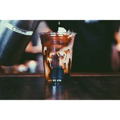 This makes my mouth water. Cold Brew, yes please! #coldbrew // #coffeesesh  TAG SOMEONE if you could go for a cup of this right now