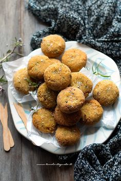 Chickpea meatballs, sweet and nutritious (baked or fried) Ric .- Chickpea meatballs (vegan and tasty) – Chickpea meatball recipe - Veg Recipes, Vegetarian Recipes, Cooking Recipes, Vegan Burger Recipe Easy, Food Porn, Vegan Meatballs, Vegan Dishes, Snacks, Going Vegan
