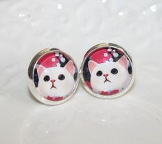 Kitten Earrings Silver cute White Kitty post by AngelPearls etsy $11 CLICK pic & use coupon code CYBER15 for 15% off all ITEMS until 2nd Dec ♥