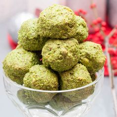 Vegan Spinach Balls Recipe - Healthy Spinach Balls made with fresh spinach (frozen spinach option). Easy gluten-free & vegan spinach ball recipe.