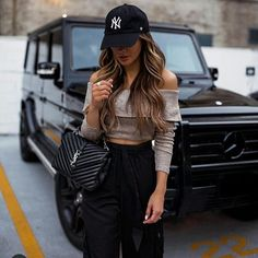 Likes, 180 Comments - Maria Vizuete Mode Outfits, Chic Outfits, Trendy Outfits, Fashion Outfits, Winter Date Night Outfits, Summer Outfits, Black Jogger Pants, Outfits Mujer, Instagram Outfits
