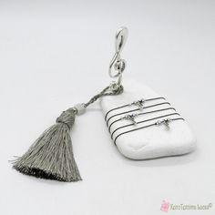Γούρι με κλειδί του σολ σε πέτρα με ασημί φούντα Bucket Bag, Bags, Handbags, Bag, Totes, Hand Bags