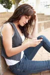 » Students' Frequent Cell Phone Use Tied to Lower Grades, Higher Anxiety - Psych Central News