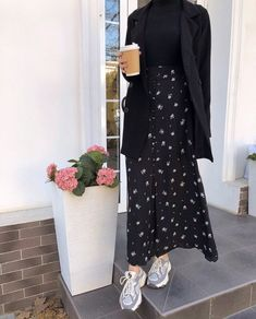 Hijab Fashion Summer, Long Skirt Fashion, Modest Fashion Hijab, Modern Hijab Fashion, Street Hijab Fashion, Modesty Fashion, Hijab Fashion Inspiration, Muslim Fashion, Mode Inspiration