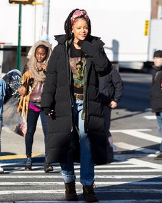 BLACK FASHION - rihannainfinity: December 3: Rihanna on set of...