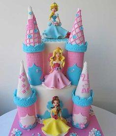diseno-de-tarta-infantil-decorada-con-castillo-de-princesas.jpg (450×528)