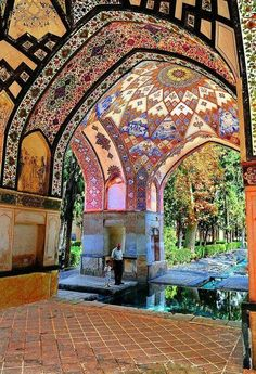 'The Bagh-e Fin in Kashan is the most visually impressive Persian garden in Iran today.' Iran: the Bradt Travel Architecture Antique, Persian Architecture, Beautiful Architecture, Beautiful Buildings, Art And Architecture, Cultural Architecture, Beautiful Mosques, Beautiful Places, Beautiful Pictures