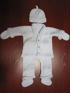 Sea Trail Grandmas: KNITTING PATTERN PREEMIE OUTFIT SET (4-7 LBS)