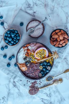 Schon mal was von Noatmeal gehört? Noats steht für no carb oats, also ein pures keto Frühstück ohne Kohlenhydraten dafür mit ganz vielen wichtigen Ballaststoffen dank der Lein- und Flohsamen im Rezept! Simply Recipes, Unique Recipes, Other Recipes, Low Carb Recipes, Keto Recipes, Healthy Recipes, Vegetarian Recipes, Best Vegan Desserts, Best Brunch Recipes