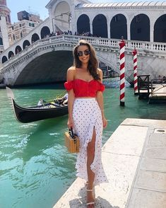 Fashion outfits ideas chic and cute outfits what to wear casual fashion ideas Date Outfit Casual, Date Outfits, Classy Outfits, Spring Outfits, Casual Outfits, Red Skirt Outfits, Look Fashion, Fashion Outfits, Grunge Fashion