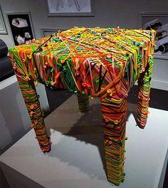 Mesa con tela reciclada