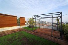 25 Verde, Luciano Pia. © Luciano Pia / Alessio Guarino Garage Doors, Outdoor Decor, Home Decor, Green, Decoration Home, Interior Design, Home Interior Design, Home Improvement