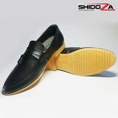 Ngày mua sắm giày lười nam siêu rẻ mùa thu hút hơn 160.000 lượt truy cập