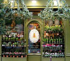 Flower Shop in Paris. Germaine- en-Laye, just a train trip from Paris on the RER. Jardin Decor, Tee Shop, Displays, Paris Shopping, Paris Store, Shopping Travel, Flower Market, Flower Shops, I Love Paris