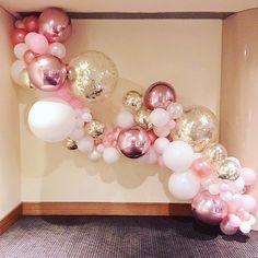 Teresa's 21st #LittleBigBalloonCo #BalloonInstallation
