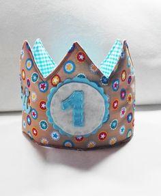 #corona #coronatela #coronapersonalizada #fiestacumpleaños #coronamolona #fiesta #celebración #crown #birthday #happybiryhday #party #fetama #hechoamano #handmade #love