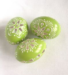 Set of 3 light Green Hand Decorated Painted Easter Egg Madeira with string, Traditional Slavic Wax Pinhead Chicken Egg, Pysanka