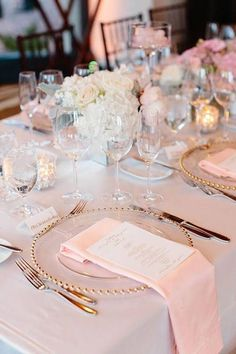 Blush and Ivory Wedding Inspiration | Wedding Tablescapes | Gold Accents | Blush Napkins | Gold Flatware | Floral Centerpieces