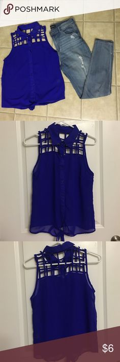 Charlotte Russe- Blue Tie Front Crop Top Electric blue tie front crop top from Charlotte Russe. Light weight, sheer, perfect top to wear a bralette underneath! Pair with your favorite jeans and heels. No stains, snags, or holes. Charlotte Russe Tops