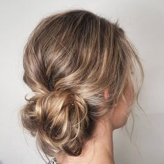 Casual and textured messy updo hairstyle inspiration,wedding hair ideas,prom hairstyle,everyday hairstyle,mom hairstyles