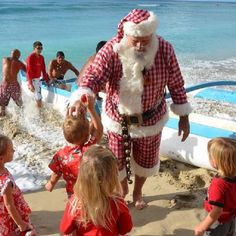Santa Claus is coming to town, and when that town just so happens to be located on a remote island chain in the middle of the Pacific Ocean, his vehicle of choice isn't his trusty sleigh pulled by reindeer. Instead, Santa arrives in Hawaii on an outrigger canoe with a crew of skilled paddlers