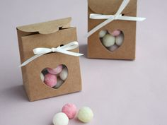 Tiny 'Sacchetto' boxes with heart window - perfect for little treats