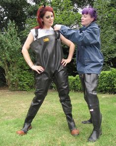 club rubberboots and waders 4 Firefighter Boots, Ladies Wellies, Pvc Hose, Country Wear, Rain Gear, Weather Wear, Rubber Shoes, Costume, Hunter Rain Boots