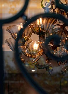 Just beautiful . Brooklyn Brownstone, Restaurant Paris, Paris Hotels, Colour Board, Grand Hotel, Titanic, Color Themes, Old Things, Pictures