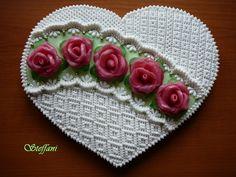 Srdce z perníku.......2010.....s růžičkami z marcipánu......
