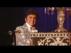 Behind the Candelabra: Trailer --  -- http://wtch.it/pPCoT