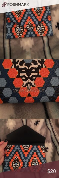 Vera Bradley Marrakesh Envelope Clutch Used once. No flaws or defects. Envelope clutch with a magnetic closure. Holds my 6s, plenty of room for money and cards and your ID. No strap. Perfect for spring coming up. Can hold an IPhone 6+. Vera Bradley Bags Clutches & Wristlets