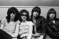 R.I.P. Tommy Ramone (1952-2014), the last living original member of the Ramones - Vanyaland