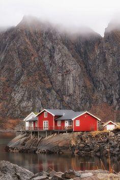 Sakrisoya - Lofoten, Norway (by Karl Hipolito)