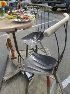 Great upcycled table and chairs #shovel chair #rake table