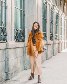 Fashion Photo, Raincoat, Dressing, Jackets, Inspiration, Outfits, Shopping, Sun, Tattoo