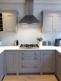 A lovely example of our handmade kitchenshandmade kitchen A lovely example of our handmade kitchens 45 Fascinating Sofas Design Ideas In Different Colors Smart Budget Kitchen Remodel Ideas Inframe Kitchen, Grey Shaker Kitchen, Shaker Style Kitchens, Grey Kitchen Cabinets, Painting Kitchen Cabinets, Home Kitchens, Kitchen Decor, Small Kitchens, Kitchen Ideas