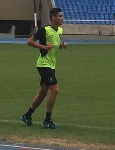 BotafogoDePrimeira: Diogo inicia trabalho em campo e tem chances de en...