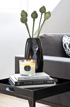 Auch Unser CEO Stefan Smalla Liebt Coffee Table Books! Die It Pieces In  Schwarz